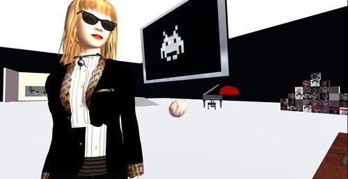Bibbe Oh in her Second Life studio